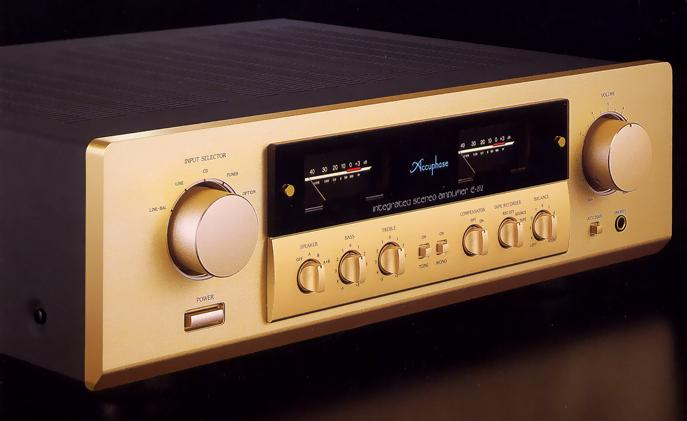 Amply Accuphase 212