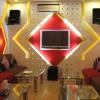 Kinh nghiệm sắp xếp phòng hát karaoke gia đình để hát hay như ngoài quán